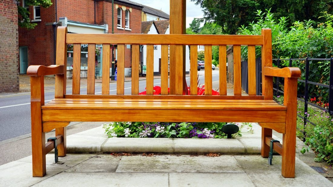 Záhradný nábytok z dreva