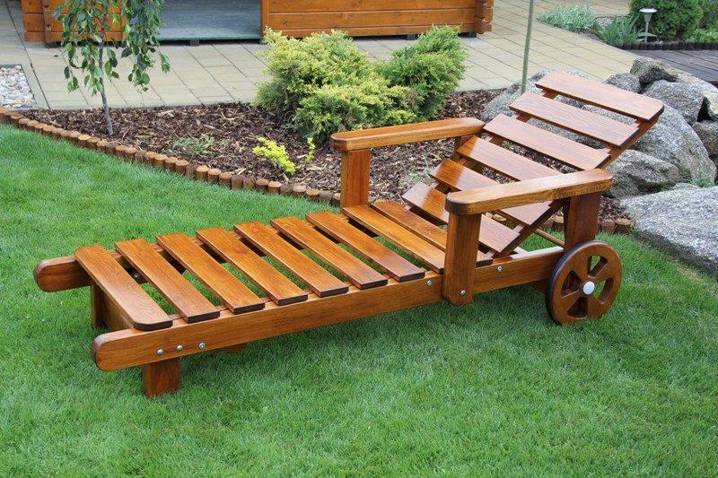 záhradné lehátko z borovice drevené