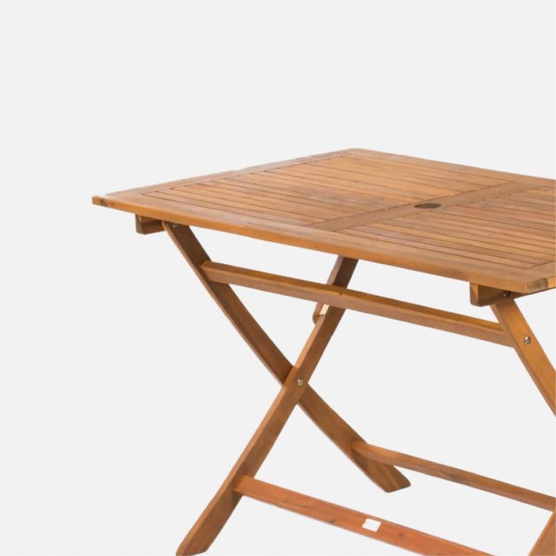 stoly-z-exotickych-drevin